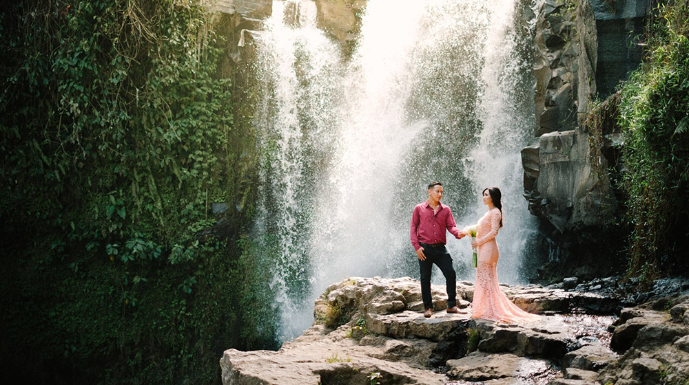 Sunrise Prewedding Photography Tegenungan Waterfall
