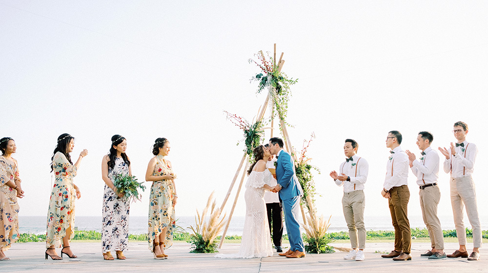 beachfront bali wedding at villa ombak biru gusmank