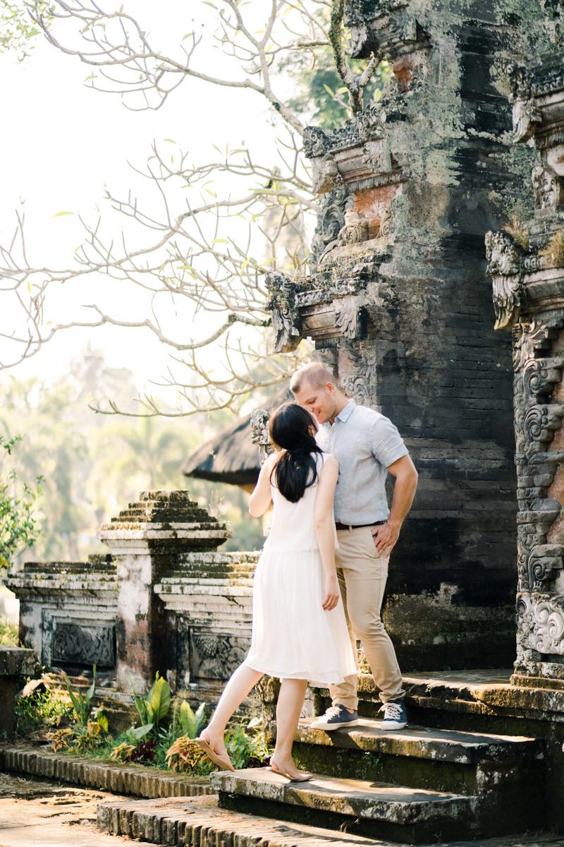 ubud temple honeymoon photographer