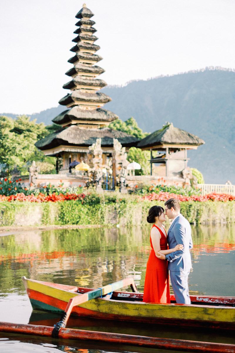Beratan Lake and Temple Prewedding