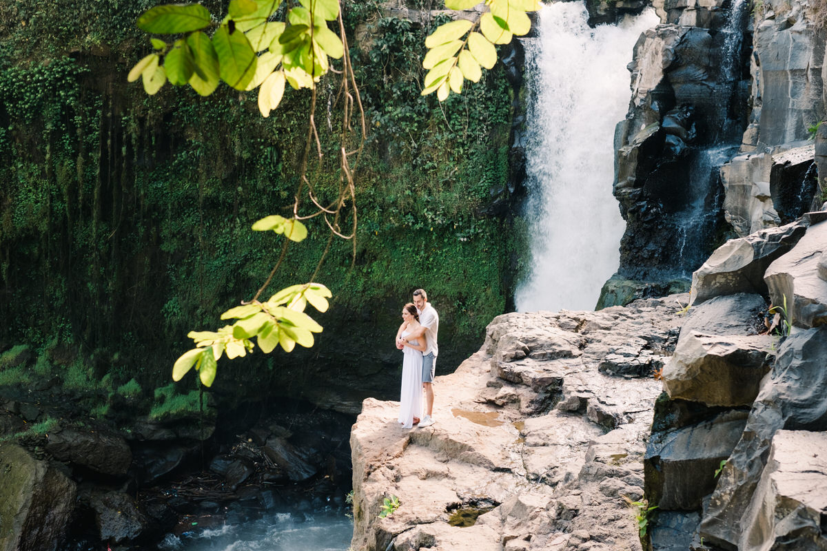 Blangsinga or Tegenungan waterfall photo spot