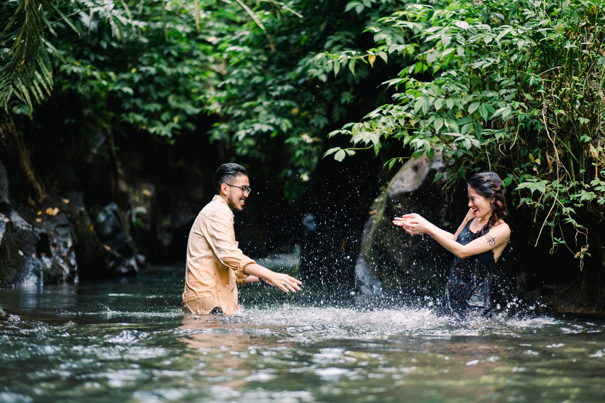 petanu river ubud photo session