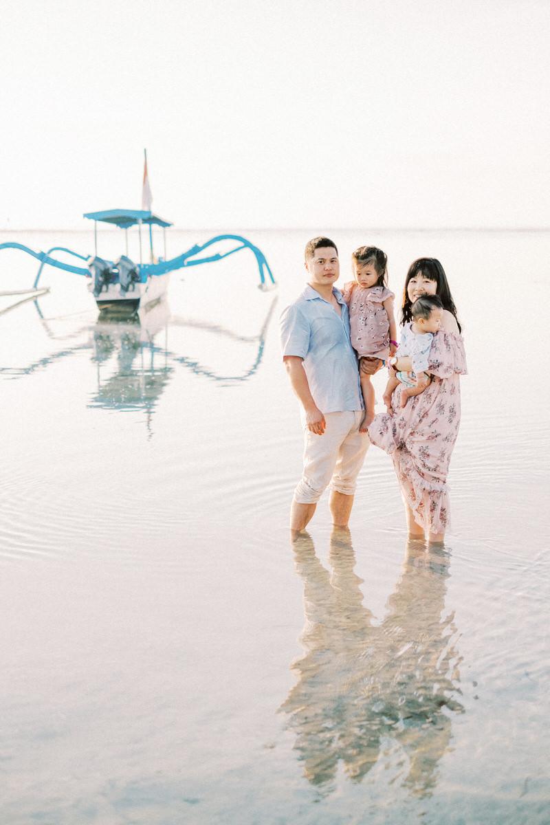 sanur beach family session