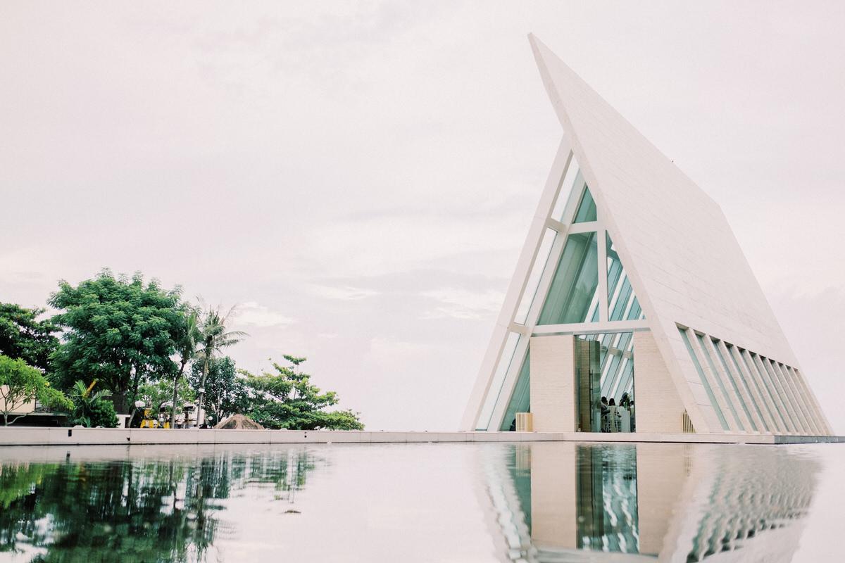 conrad bali wedding infinity chapel
