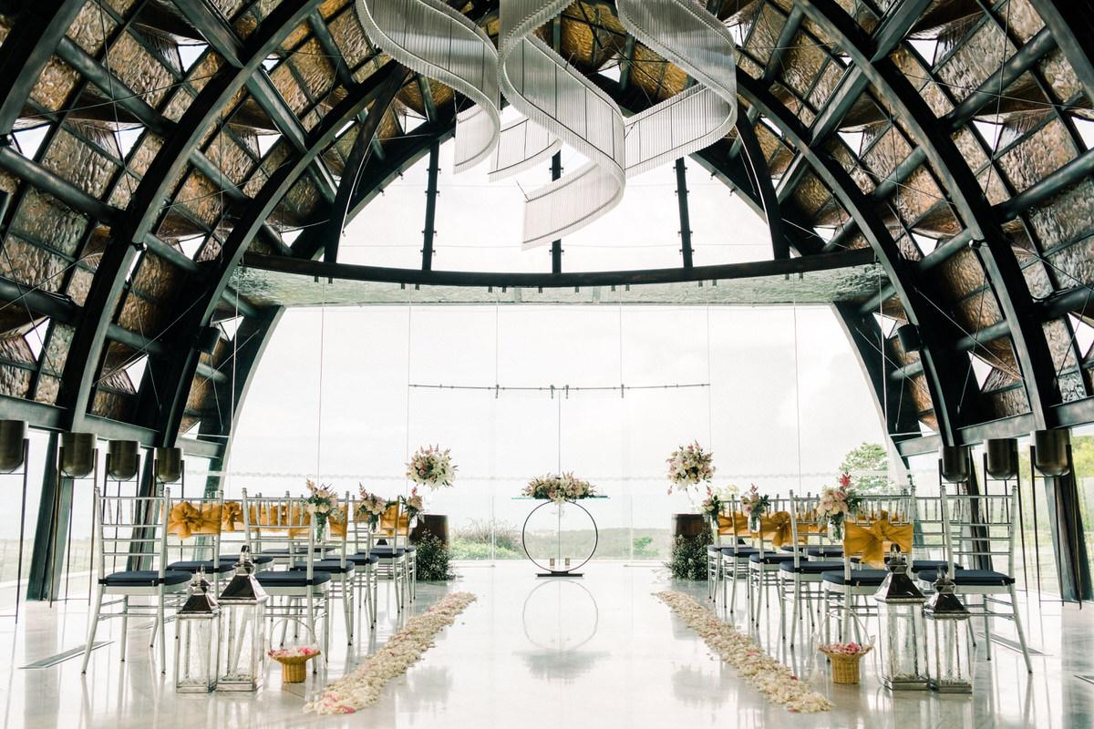renaissance bali uluwatu wedding