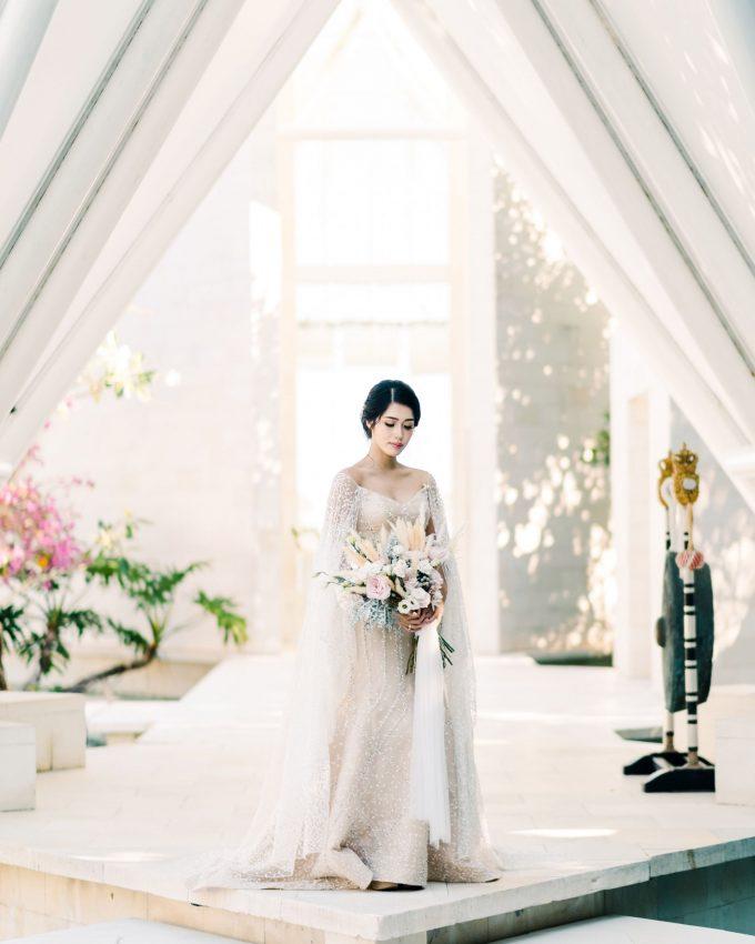 bali wedding of ana octarina and adie baron