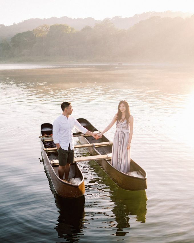 casual prewedding in Bali Tamblingan Lake