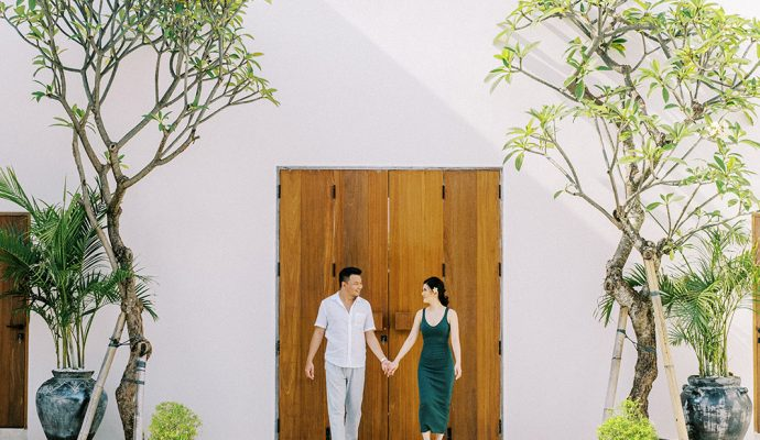 indoor-photo-session-with-modern-bali-interiors