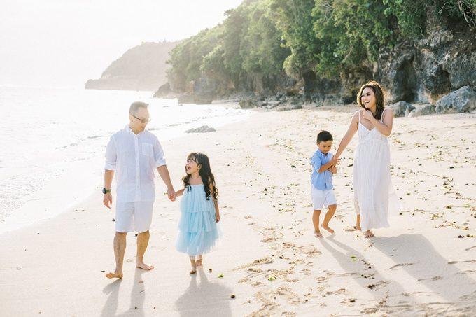 samabe bali outdoor family photo