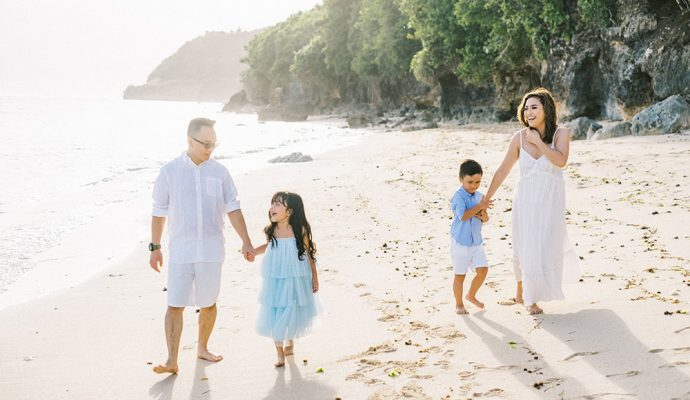 samabe bali outdoor family photo
