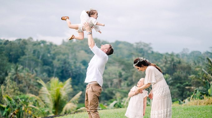 ubud bali family portrait