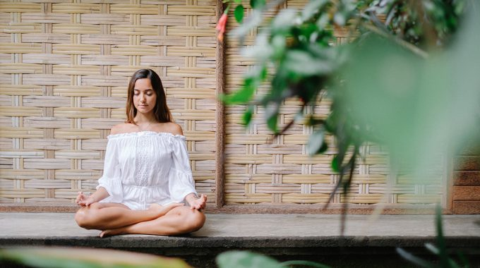 ubud yoga photography be natural with ines