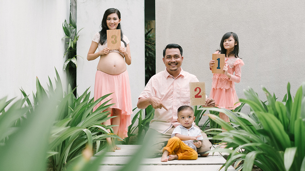 Bayu & Dian: Bali Family Maternity Photography
